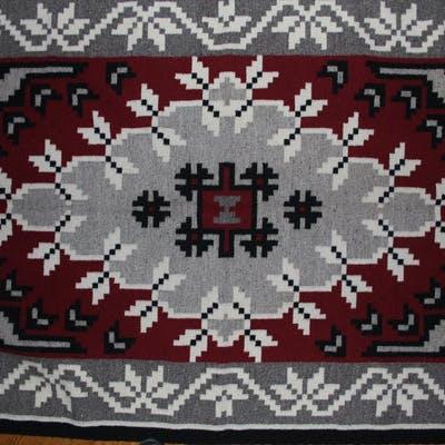 Native Rug : Very Elaborate Native American Navajo Ganado Patterned