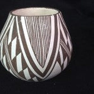 Native American Vintage Mini Acoma Pottery by M. (Miranda) Leno, Ca