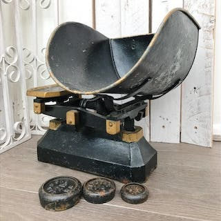 Large Antique Cast Iron Grocers Scales