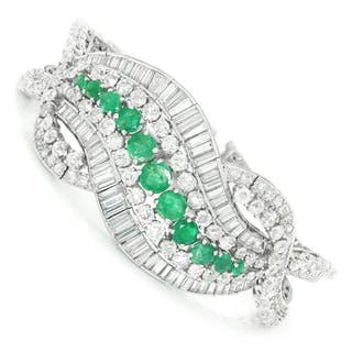 Vintage Emerald Swirl Platinum Bracelet with Diamonds 21.35ctw