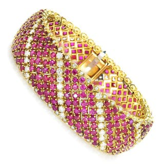 Vintage Ruby Bracelet with Diamonds 18K Yellow Gold 33.00ctw