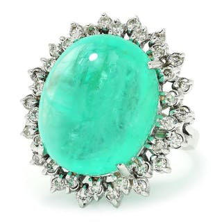 Certified Cabochon Emerald Ring with Diamonds White Gold 30CT