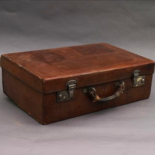 The Goth Taylor - Classic Vintage Leather Suitcase For Wedding