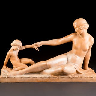 "Art Deco figure ""Mother and Child"""
