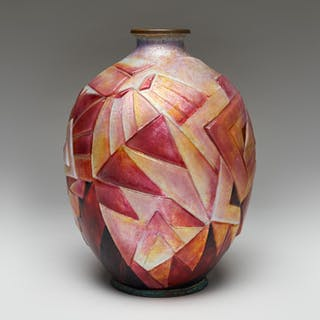 Enamelled copper vase with geometric triangular pattern in magenta
