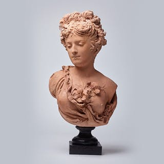 Bust of a fine lady on a black wooden base