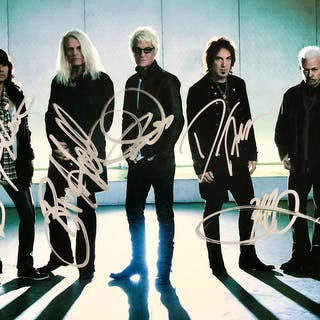 "REO Speedwagon Group Signed 8"" x 10"" Color Photo (5 Sigs)(Beckett/BAS"
