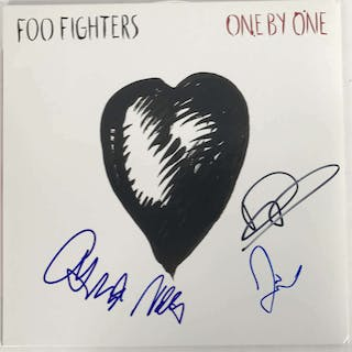 "The Foo Fighters Group Signed ""One by One"" Record Album (BAS/Beckett)"