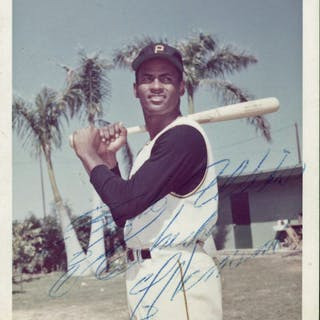 """Roberto Clemente Rare Signed 3.5"""" x 5"""" Candid Color Photograph (PSA/DNA)"""