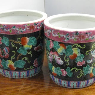 Pair of famille rose pots, Ca. 1900 Chinese - FR3SH