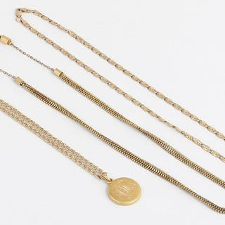 Group of (3) gold jewelry necklaces. FR3SH