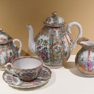 Five Piece Chinese Porcelain Rose Medallion Tea Set, late 19th Century PK1A