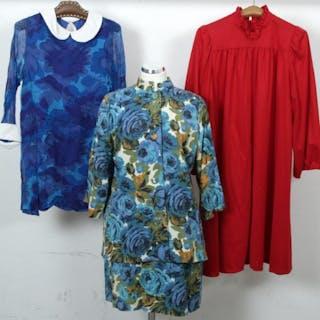 4884ca7ab695 Dräkt & 2 st. Vintageklänningar - Klänningar - Vintage – Pågående  försäljningar – Alla auktioner på Barnebys.se