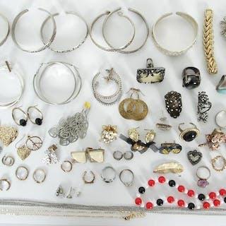 Parti Bijouterier - Armband - Ringar - Örhängen