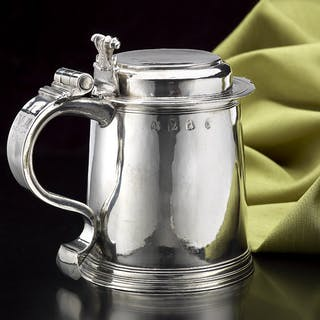 William & Mary 'LADY'S Size Silver Flat-Lidded Tankard