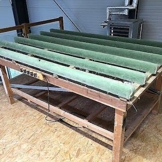Holz Arbeitstisch mit gepolsterten Auflagen
