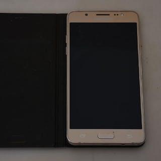 Mobiltelefon Samsung Galaxy J5