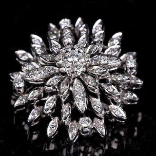 Brosch 18K Guld med briljantslipade diamanter 1900-tal