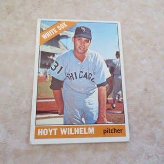 1966 Topps Hoyt Wilhelm 2 1966 Topps Gil Hodges Baseball