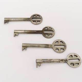 Konvolut 4 x Möbel-Schlüssel, um 1900