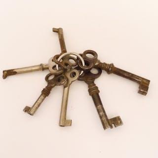 Bund 6 x Gründerzeit Möbel-Schlüssel