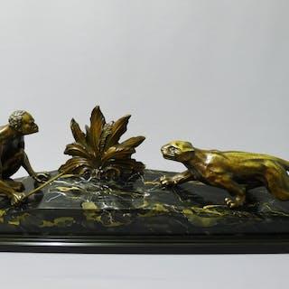 A. de Raed: Art Deco Bronze Plastik, Jagdszene, Afrikaner mit Tiger