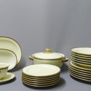 22-teiliges Porzellan Speise-Service, um 1930, von Hutschenreuther