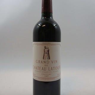 1 bouteille CHÂTEAU LATOUR 1997 1er GC Pauillac