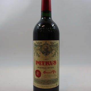 1 bouteille PETRUS 1997 Pomerol (base goulot