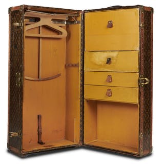 "LOUIS VUITTON, LOUIS VUITTON Malle ""Wardrobe"" - Circa 1927"
