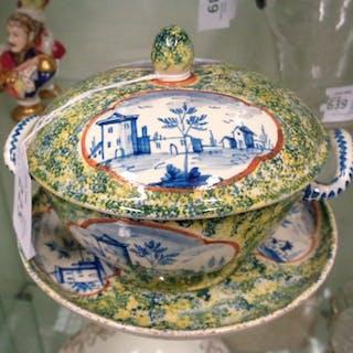 Tazza da puerpera in ceramica policroma decorata con...