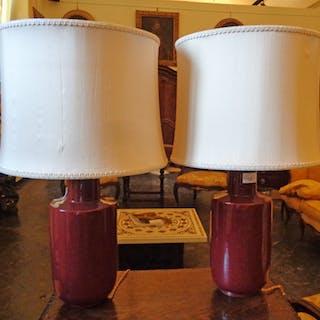 Coppia di vasi in porcellana sangue di bue montati a lampada
