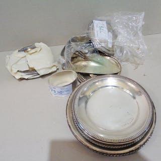 Sacchetto magico con piccoli oggetti in argento