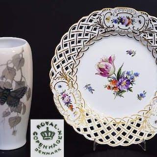 "Durchbruchteller. Vase ""Schmetterling"". ROYAL KOPNHAGEN/Denmark."