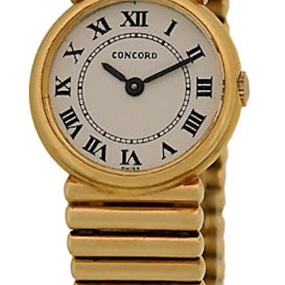 """Lady's 14K Yellow Gold Concord """"Round Classique"""" Wristwatch"""