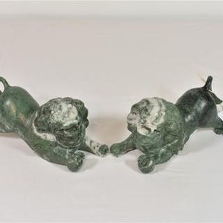 A matching pair of Chinese soapstone Dogs of Fo (2)