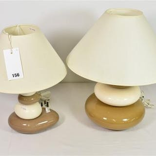 A pair of pebble table lamps (2)