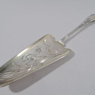 Sale Price: Art Nouveau server in 950 silver