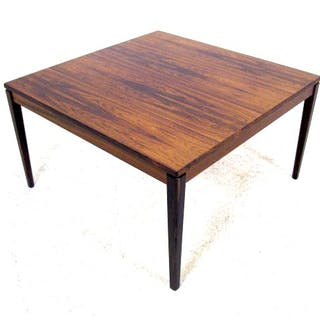 9385 Coffee table