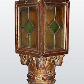 Lanterne en bois doré
