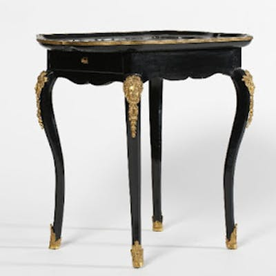 Table en Cabaret en bois noirci