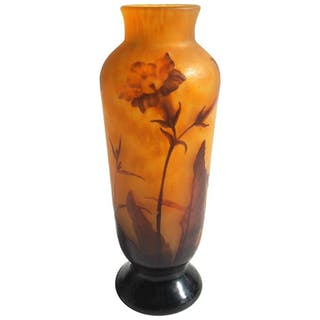 French Art Nouveau Daum Cameo and Carved Glass Nicotiana Vase