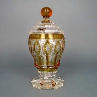 Prächtiger Deckelpokal Glas mit gelber Silberbeize Fachschule Haida 1920
