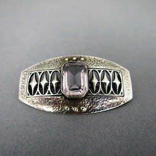 Elegante Damen Art Deco geometrische gehämmerte Brosche in Silber mit Amethyst