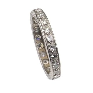 Platin Eternity-Ring / Verlobungsring mit Diamanten, ein Diamantring
