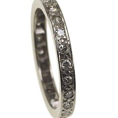 18 ct. Gold Vintage Eternity Ring / Verlobungsring mit Diamanten um 1960