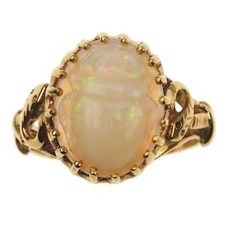 18 ct. Gold Egyptian Revival Ring mit Opal als Skarabäus Victorian