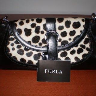 Current S Furla Shoulder Bag Closed Auction