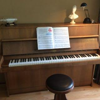 Rösler - piano - Czech Republic - 500