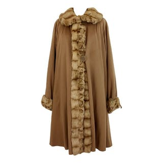 b651cec2 Fur coats – Auction – All auctions on Barnebys.com